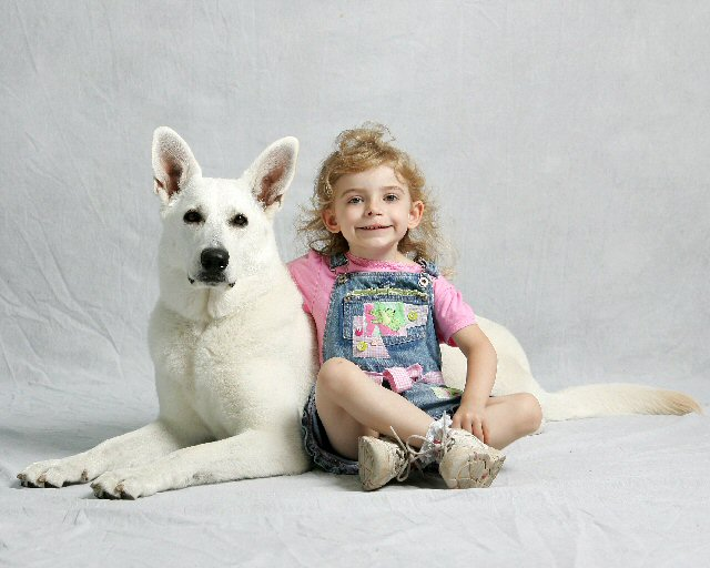 Junior Handler, Zoie, Lexi, White Shepherds, Shylo Star Kennels, Rhinelander WI,  Service Dog, CGC Evaluator